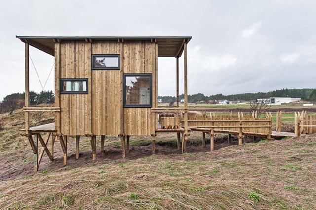cabin made from recycled (1)