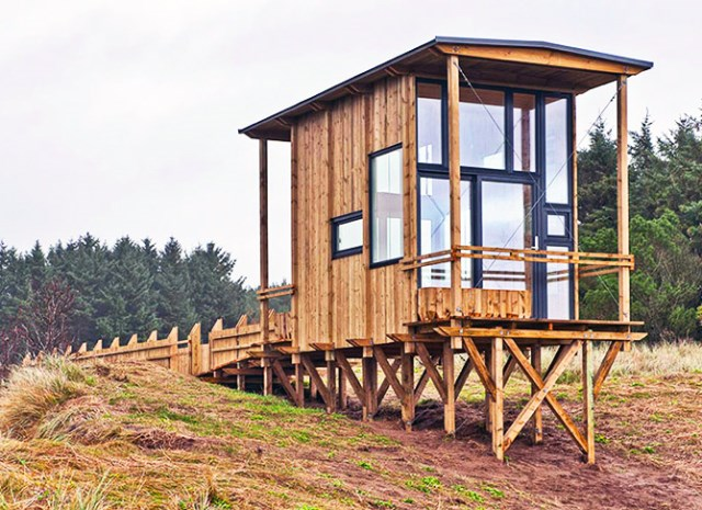 cabin made from recycled (2)