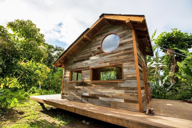 cabin tiny home (1)