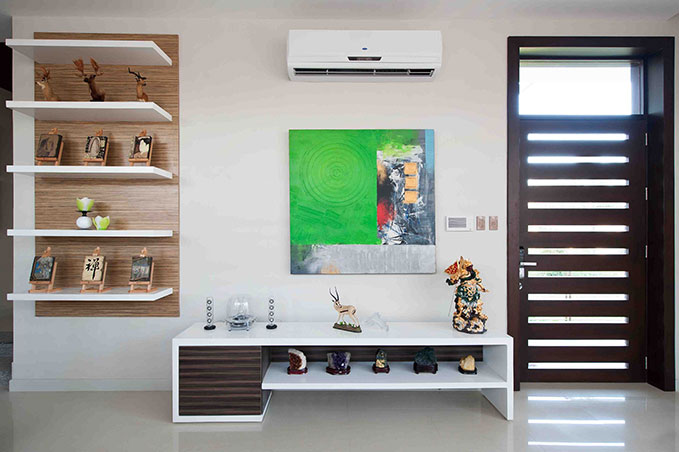 clean and sleek 1 floor minimal house (5)