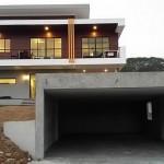 Review : สร้างโรงจอดรถปูนเปลือยขัดมัน สำหรับบ้านสไตล์โมเดิร์น เข้ากันดีสุดๆ