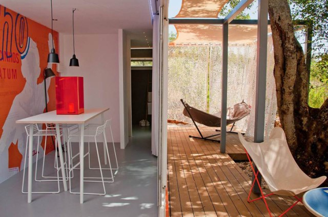 container guesthouse (14)