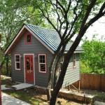 บ้านสวนสไตล์คอทเทจ ออกแบบสวยงามทั้งรูปทรงและโทนสี บิวท์อินไม้ภายในสวยงาม