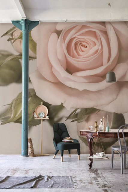 flower-wallpaper-in-dining-area