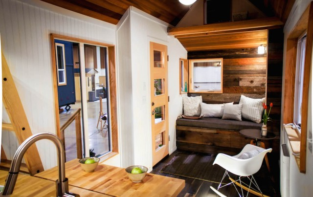 gorgeous-modern-tiny-home (5)