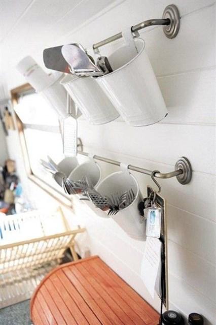 hanging-wall-cutlery-storage-ideas