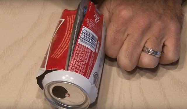 how-to-boost-wifi-signal-using-a-beer-can (6)