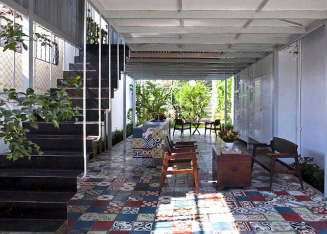 minimalist steel green box house (4)