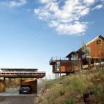 บ้านโมเดิร์นตากอากาศ โครงสร้างเหล็ก ยกพื้นสูง ตกแต่งด้วยไม้
