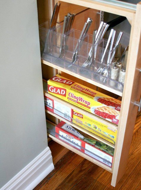 puul-out-cabinet-cutlery-standing-up
