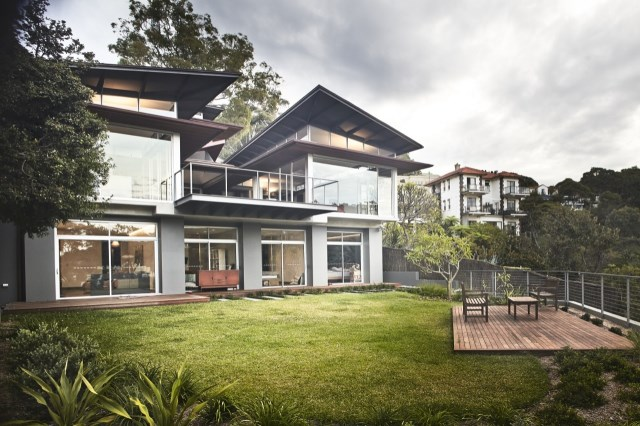 seaside villa House Modern shape and material (14)