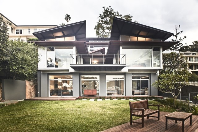 seaside villa House Modern shape and material (15)