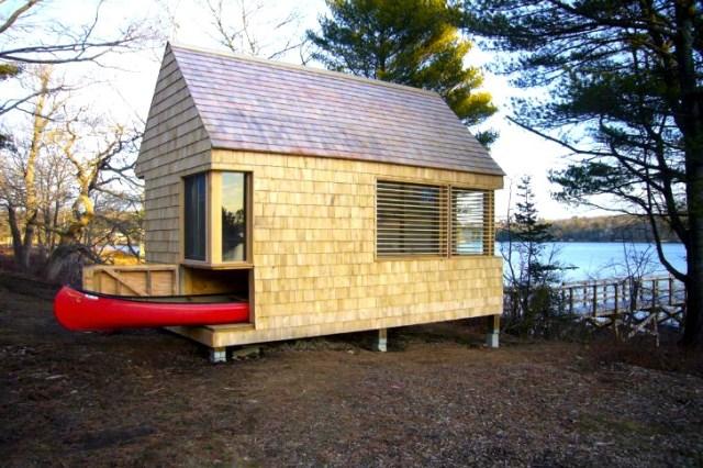 tiny-wooden-boathouse (8)