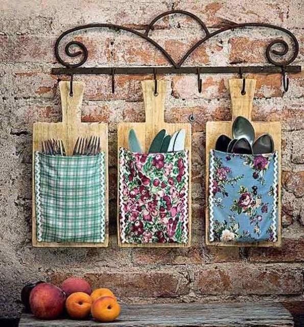 wood-cutlery-storage-walls