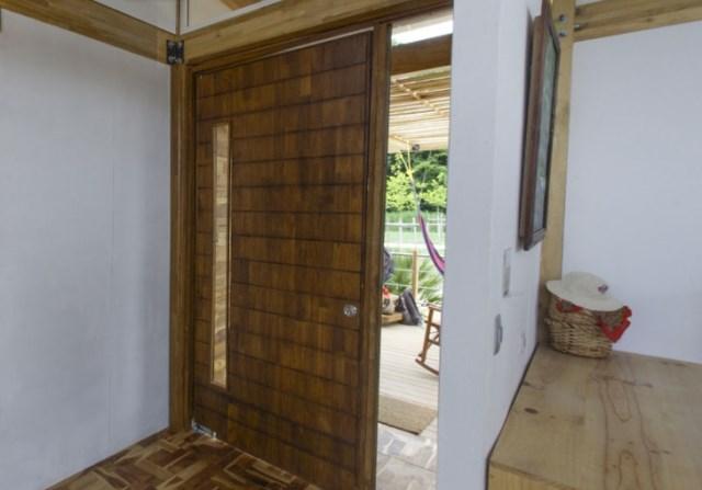 wooden Compact Modern Home (7)