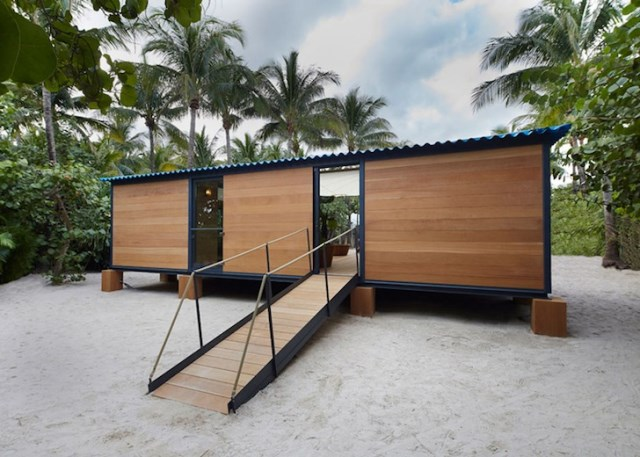 wooden beach villa house (5)
