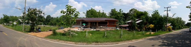1 storey concrete wooden country house review (1)