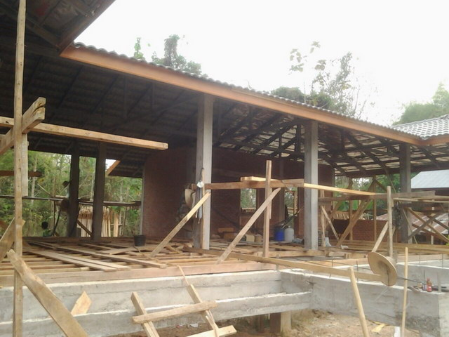 1 storey concrete wooden country house review (23)