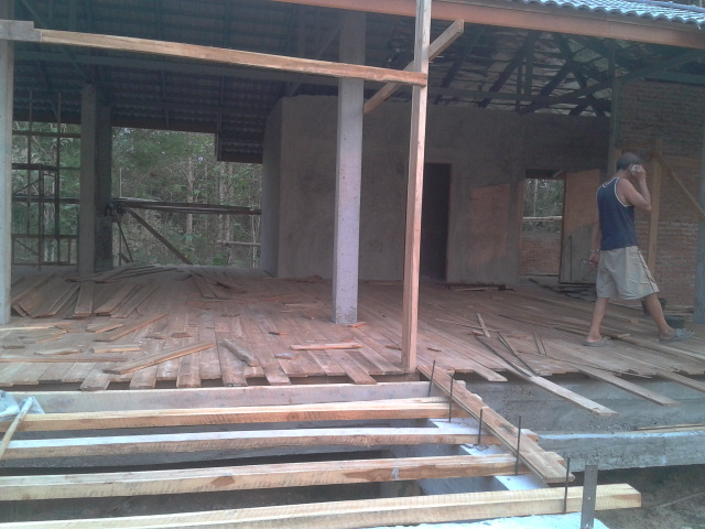 1 storey concrete wooden country house review (31)