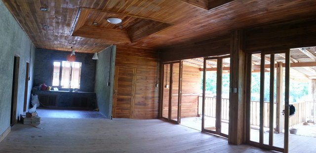 1 storey concrete wooden country house review (46)