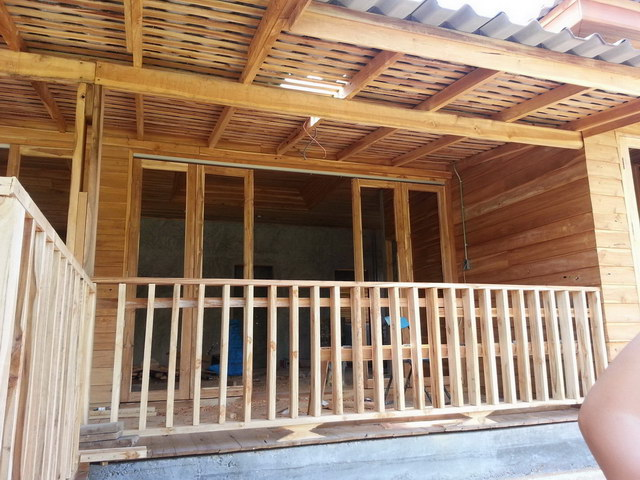 1 storey concrete wooden country house review (53)
