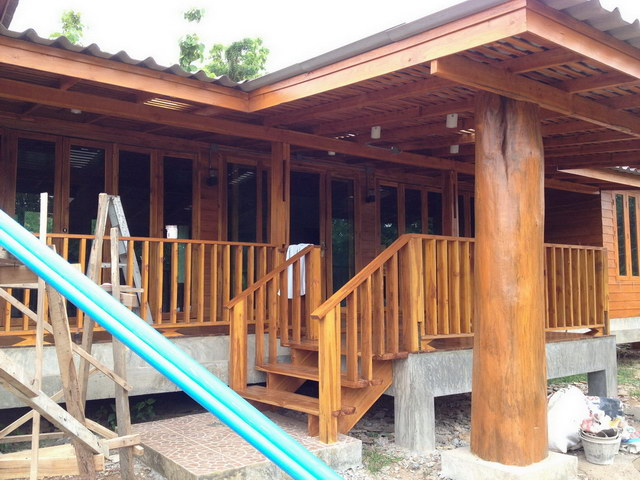 1 storey concrete wooden country house review (60)