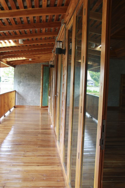 1 storey concrete wooden country house review (76)