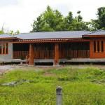 Review : สร้างบ้านหลังน้อย สไตล์รีสอร์ท ด้วยปูนเปลือยผสมไม้
