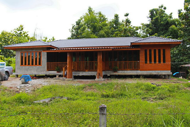 1 storey concrete wooden country house reviewss_1