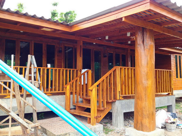 1 storey concrete wooden country house reviewss_2