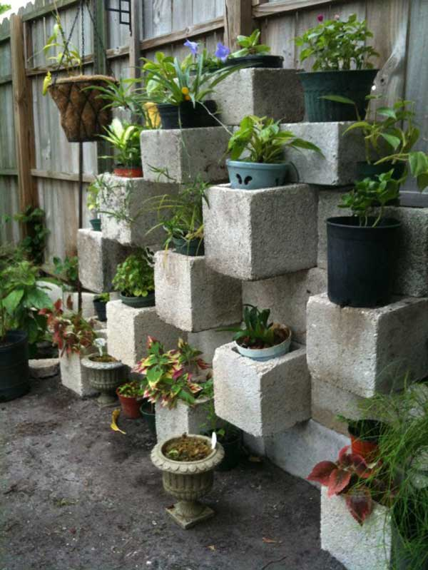 10-creative-ways-to-decorate-with-concrete-blocks (11)