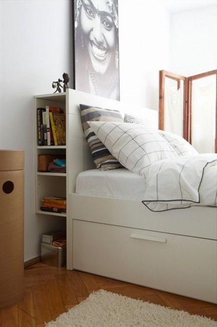 10-small-bedroom-with-headboard-storage-ideas (7)
