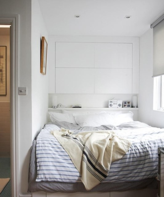 10-small-bedroom-with-headboard-storage-ideas (8)