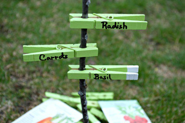 15-diy-signs-markers-garden (13)