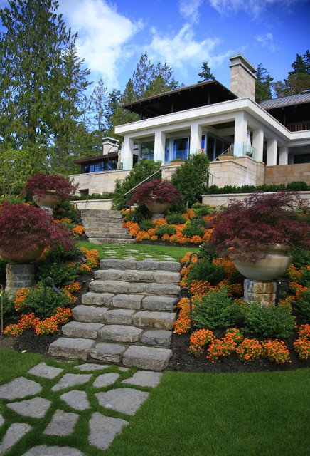 16-beautiful-courtyards-with-stone-stairs (1)