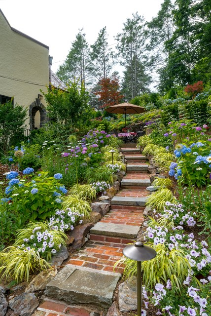 16-beautiful-courtyards-with-stone-stairs (2)