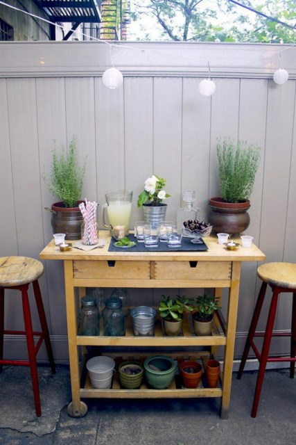 19-super-easy-cheap-diy-outdoor-bar-ideas (7)