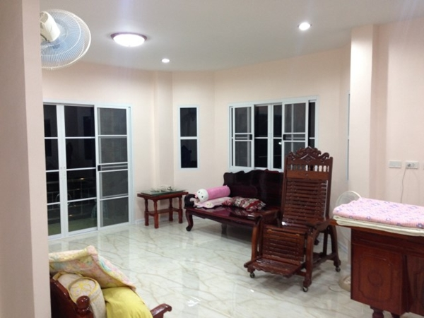 2 storey bkk contemporary house review (88)
