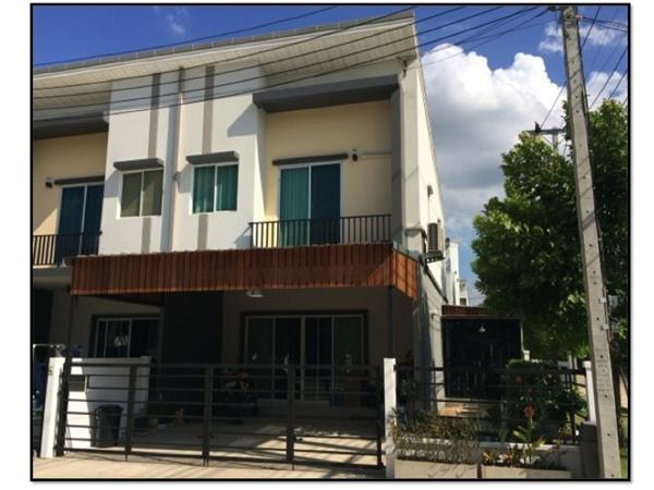 2.4x5 townhome concrete kitchen review (22)