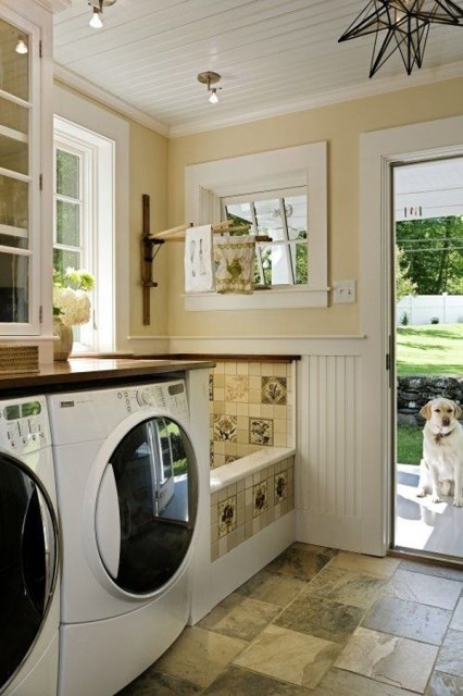 20-cool-laundry-room-for-pet-lovers (3)
