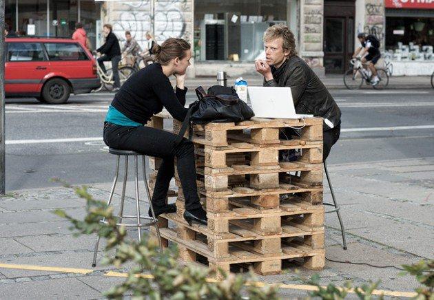 20 diy pallet furniture (13)