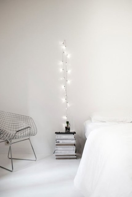22 diy-string-lights-in-the-bedroom (12)