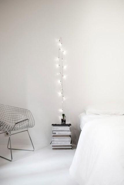 22 diy-string-lights-in-the-bedroom (12)