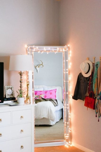 22 diy-string-lights-in-the-bedroom (16)