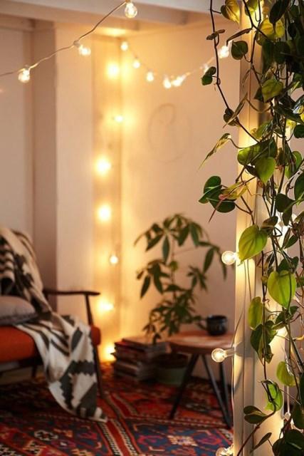22 diy-string-lights-in-the-bedroom (21)