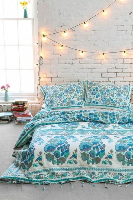 22 diy-string-lights-in-the-bedroom (23)