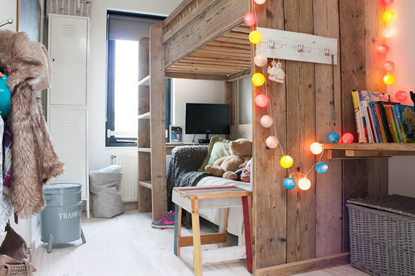 22 diy-string-lights-in-the-bedroom (5)