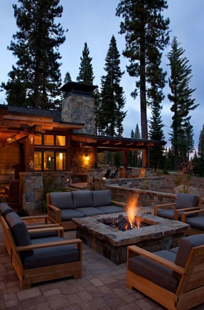 22-outdoor-fire-pits-for-cozy-backyar (1)