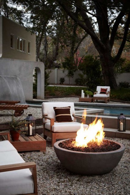 22-outdoor-fire-pits-for-cozy-backyar (12)