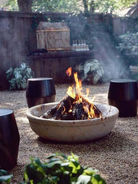 22-outdoor-fire-pits-for-cozy-backyar (18)